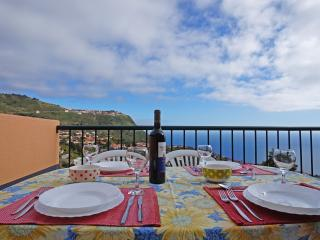 Unforgettable Relaxing  Place with ocean View!..., Calheta