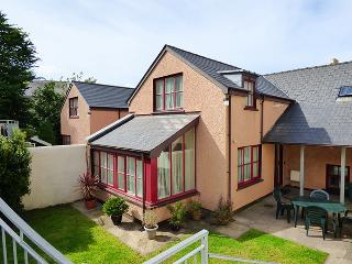 London House, Newport -Trefdraeth