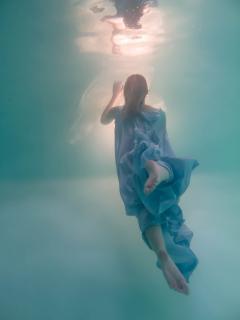 shooting réalisé par Laura dans la piscine ... Merci pour ces moments :)