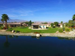 1/4 Acre Lakefront Estate, beauty, Indio