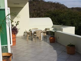 1 Bedroom Penthouse minutes to the Beach, Huatulco
