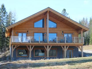 4 Bedroom Custom Log Home on 125 secluded acres