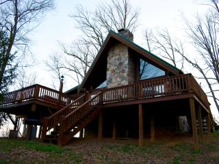 Charming mountain cabin with amazing views, Sevierville