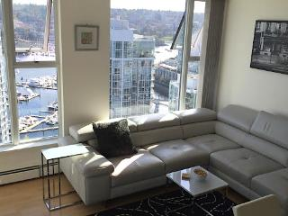 3 Bedroom Panoramic View Sub Penthouse in Yaletown, Vancouver