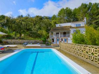Amazing Villa with Pool in Esporles, 15' to beach