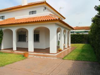 Precios economicos de Chalet con amplio jardín, Matalascanas