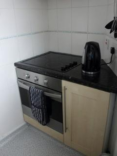 Built in electric cooker with ceramic hob