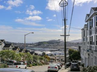 Furnished 3-Bedroom Condo at 25th St & De Haro St San Francisco