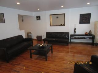 Furnished 1-Bedroom Apartment at Bedford Ave & Lexington Ave Brooklyn, Nueva York