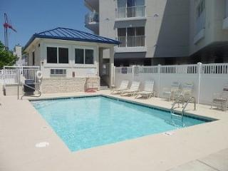 BAHIA VISTA 1 #405 OCMD-Bayfrt Luxury Amazing View, Walk to Beach+Boardwalk+Pool