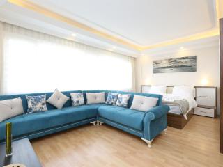 DELUXE APARTMENT IN THE TAKSIM CENTER, Estambul