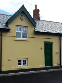 Ben-Ry Cottage, front view