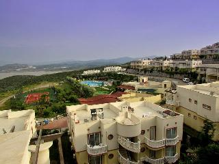 Great Location 2 Bedroom Lake view Appartment, Milas