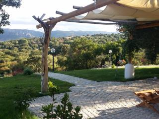 Isole Di Pietra, Bed and breakfast, (green room), Olbia
