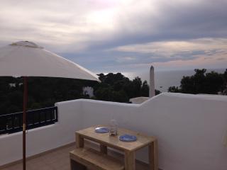 Atico con piscina-jacuzzi privado,relax total en terraza con vistas y puesta sol, Cala Tarida