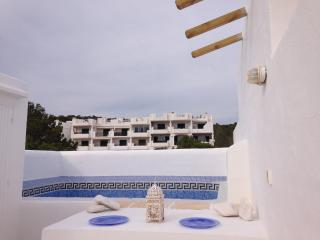 Atico de Lujo con jacuzzi privado en la terraza, Cala Tarida