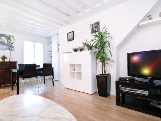 Triplex apartment with terrace private next Louvre, Parigi