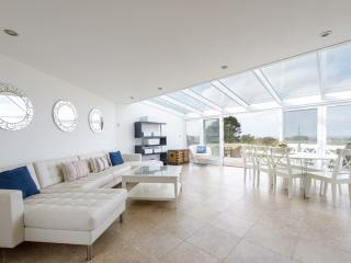 Tregea, stunning home in Harlyn Bay, sleeps 12
