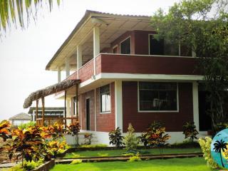 Hospedaje Casa Playa Manglaralto, La Entrada