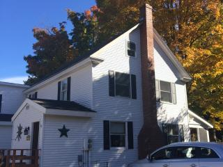 Clean, Cozy and Centrally located 3 BR Townhouse, Ludlow