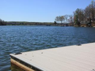 Blue Lake Retreat - Lake House, Quiet Cove, Moneta