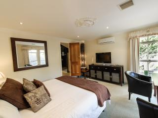 Montfort Manor-Marble Room, Traralgon