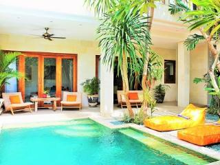 Villa Orange By Bali Villas Rus - Cozy 2BR Close Living in Central Seminyak