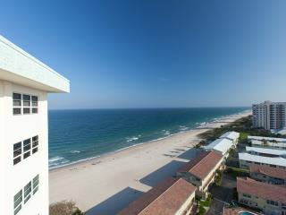 On the Sand - BEACH FRONT 1+1.5  bath Condo wFabulous Ocean Views
