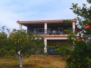Villa with great view, close to the sea,, Kyparissia
