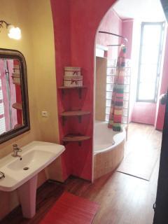 the bathroom CECILE