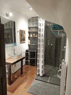 the shower Room ANTOINE