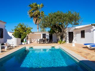 Casa Beirao is a 3 bedroom with Pool nr Vilamoura