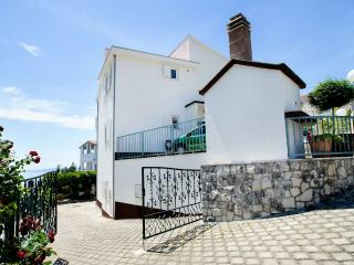 House with Stunning View for 14 - Okrug Gornji