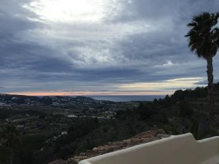 Hilltop hideaway with fabulous Sea Views., Teulada