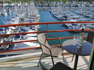 Two bed marina apartment, shared pool, sea views
