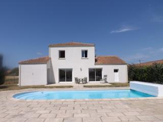 Villa Moricq Family-friendly Holiday Home, Angles