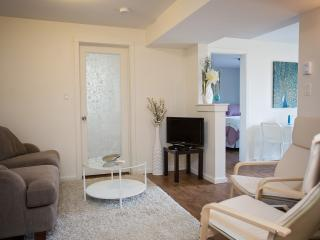 Adorable, Modern Suite in a Quiet Neighborhood, Nelson