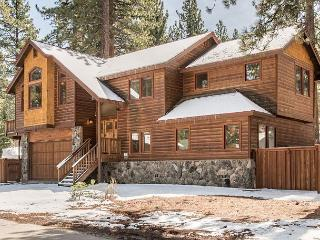 Bright and Beautiful South Lake Tahoe Home with Private Hot Tub - Sleeps 12