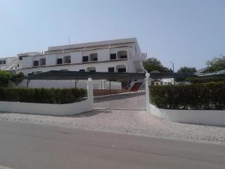 Calbee Orange Apartment, Carvoeiro, Algarve