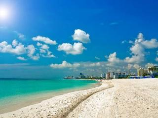 Walk to the Beach, 1 Bedroom 1 Bathroom, Miami Beach