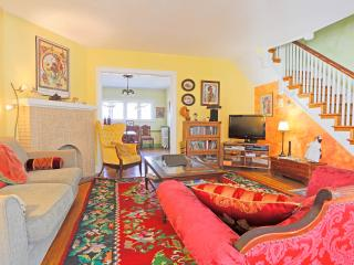 Spacious home near JHU, in quiet Baltimore City neighborhood