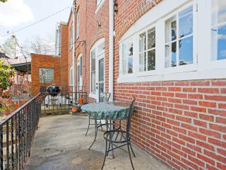 Spacious 3bdrm near JHU, in quiet neighborhood
