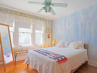 Spacious home near JHU, in quiet Baltimore City neighborhood