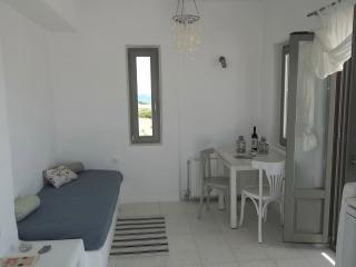 Deluxe Apartment with Sea View, Naoussa