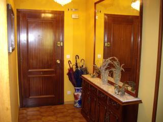 alquilo piso de 3 habitaciones, 2 baños, salón, Lastres