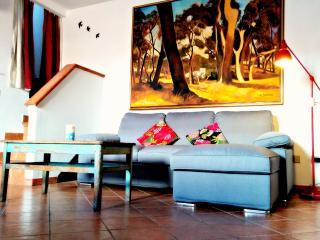 Casa Tea, apartment with private terrace, Alghero