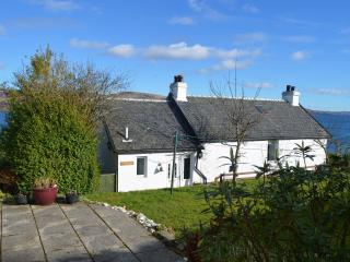 Rowan Cottage at Kames, private location, stunning views from large deck area.