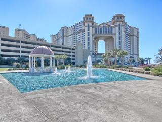Luxurious Tropical Island Retreat Oceanfront Condo, North Myrtle Beach