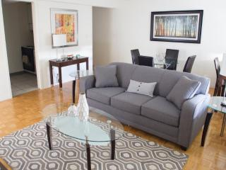FULLY FURNISHED AND SPACIOUS 2 BEDROOM, 2 BATHROOM APARTMENT, Boston