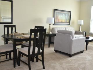 SOPHISTICATED FURNISHED 2 BEDROOM, 2 BATHROOM APARTMENT, Andover